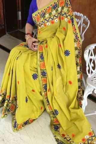 Unique Yellow Color Soft Silk Designer Sarees-cnd641