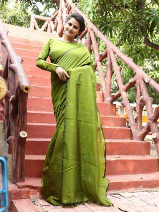Khadi Cotton Saree in Beautiful Mehendi Green