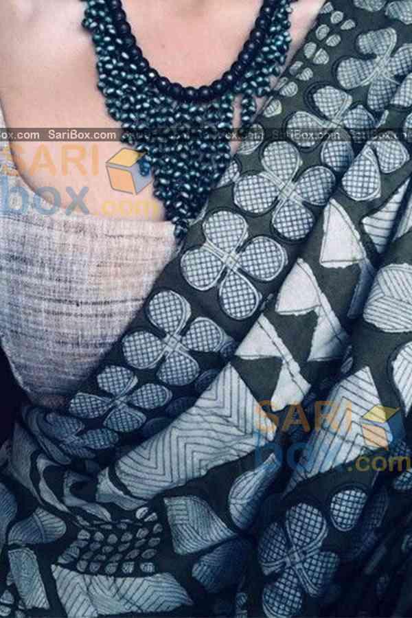 "Energetic Multi Colored Designer Soft Silk Navratri Special Saree - CD265  30"""